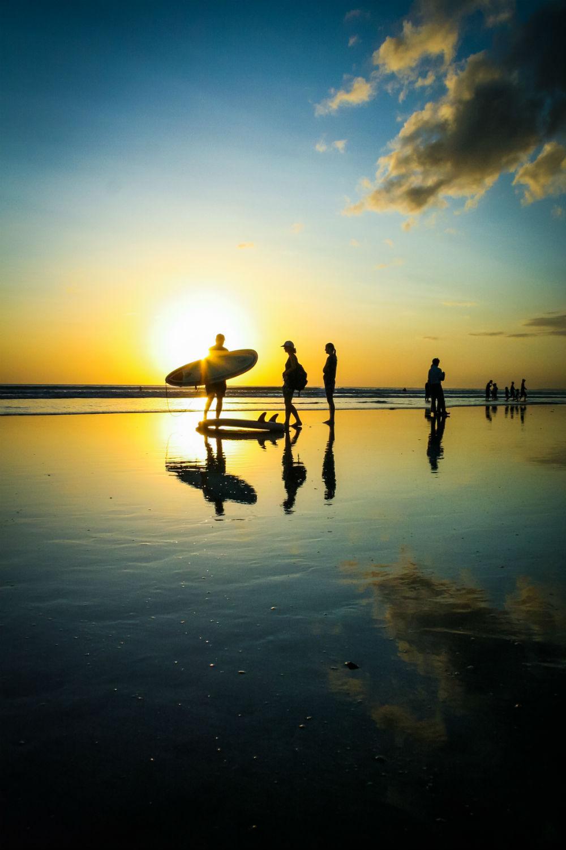 Surfers silhouttes